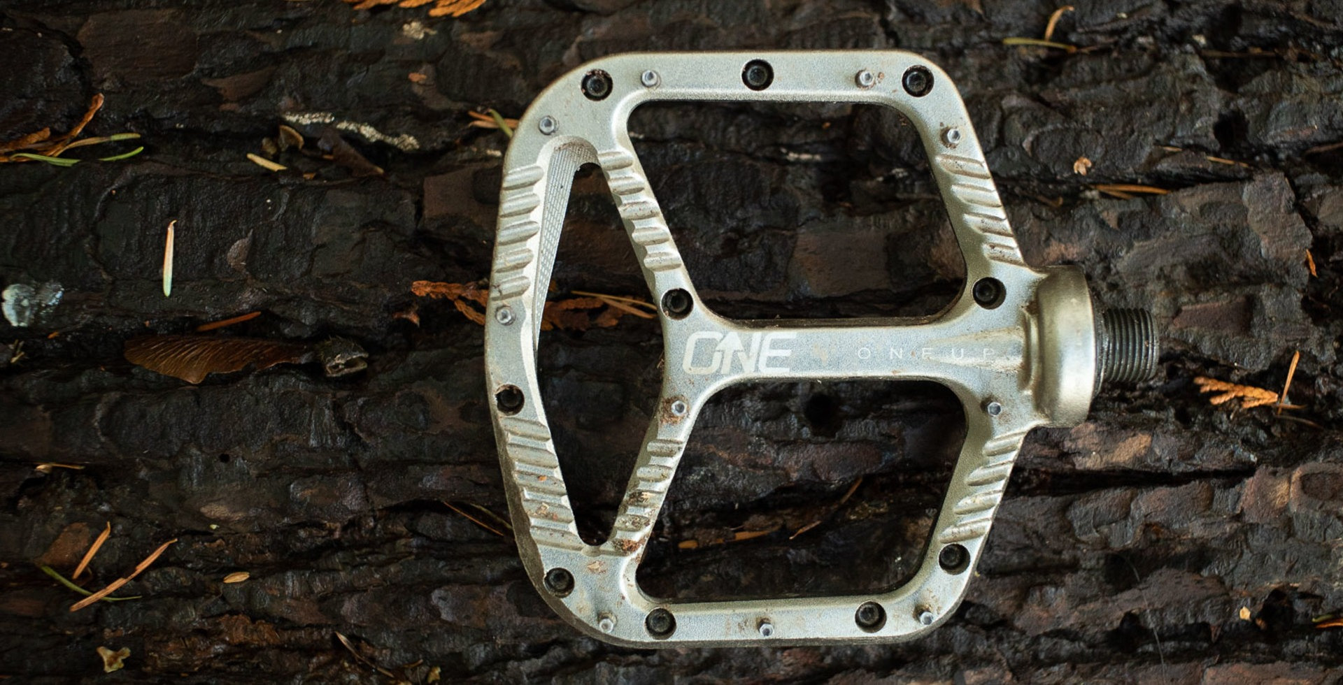 With a large-ish platform, ten pins and a thin profile, OneUp's Aluminum Pedals has a lot of good things going for it.