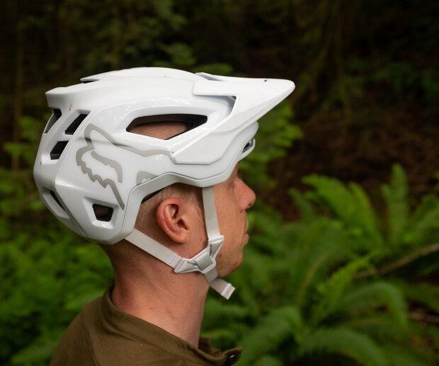 The Speedframe Pro Helmet has earned Virginia Tech's best rating (5 STARS) in its Bicycle Helmet Ratings program.