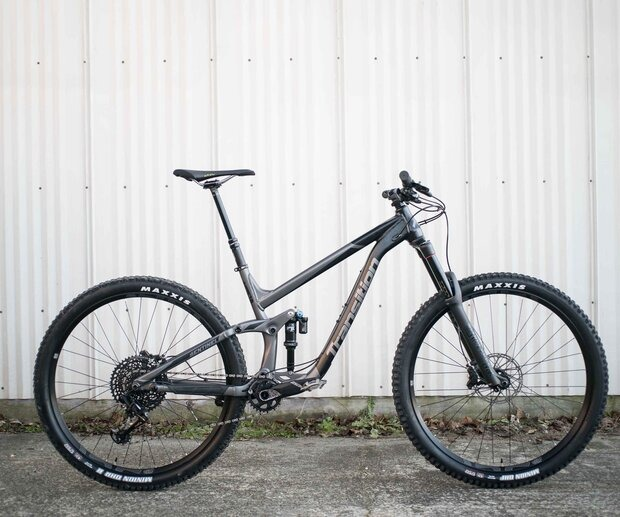 Transition is one of those bike companies who pushes industry standards to the limits, because they can. In the end, they usually see results.
