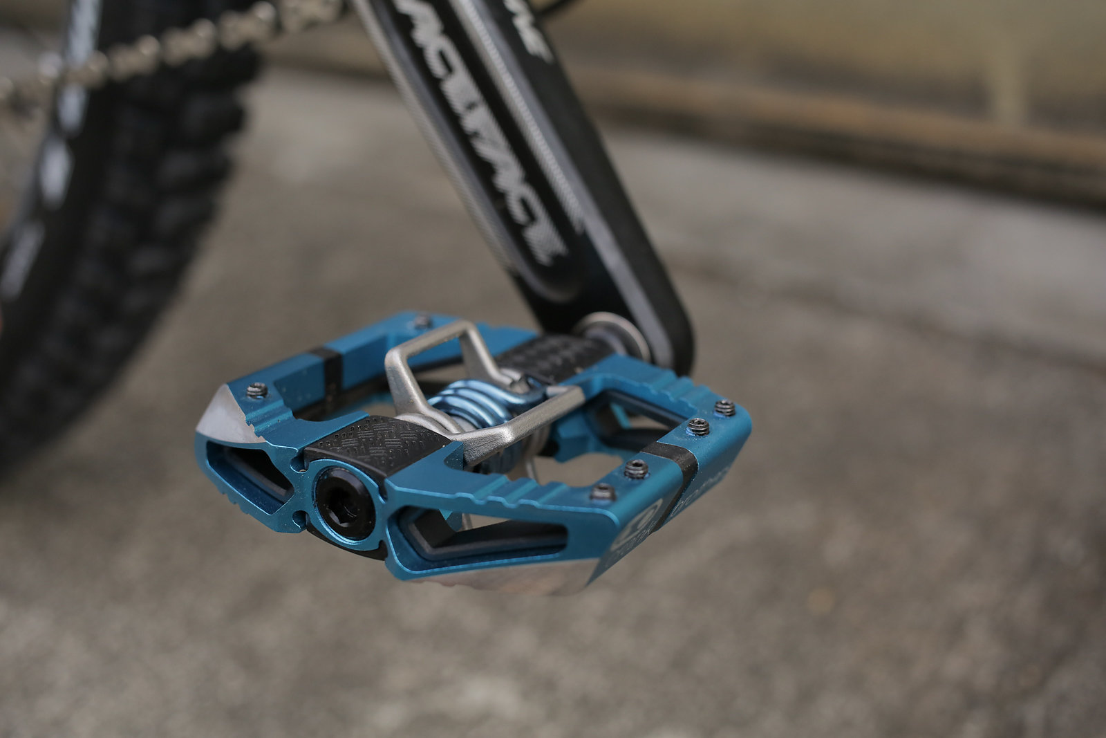 Crankbrothers Mallet E Pedal Review Freehub Magazine
