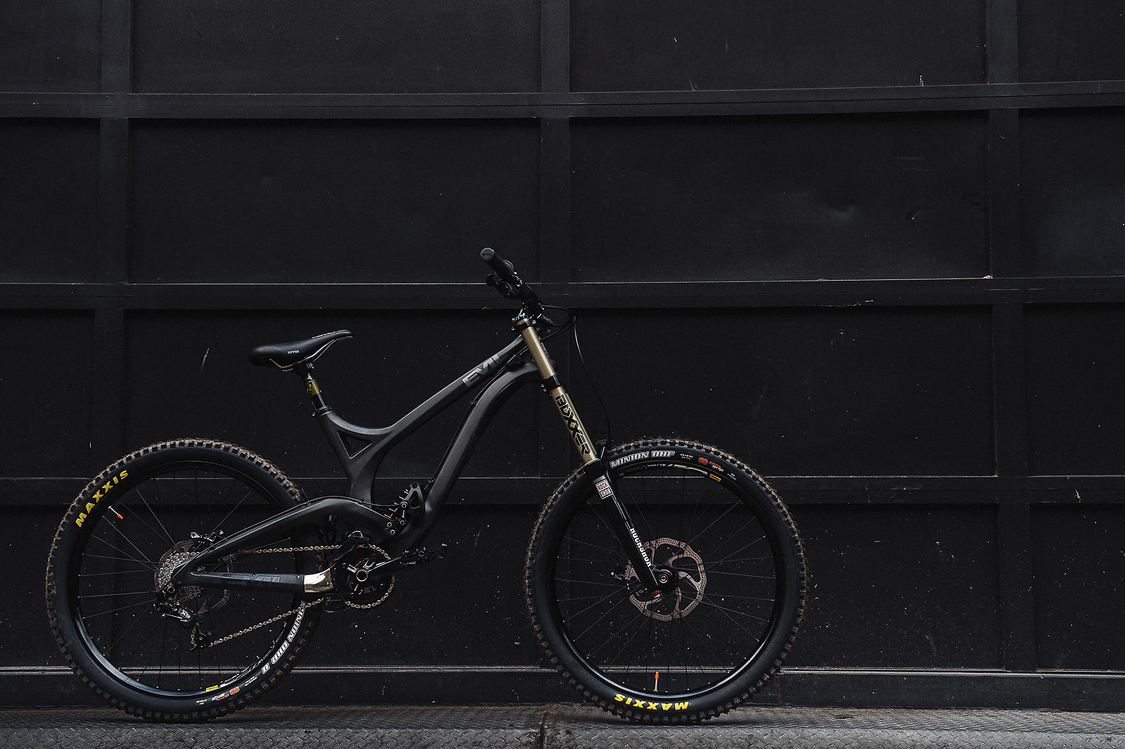 7e378eee6f8 The Evil Undead, the second fully carbon DH rig on the market and the  mascot for the company's Lazarus-esque resurrection. Sleek, timeless and  mean, ...