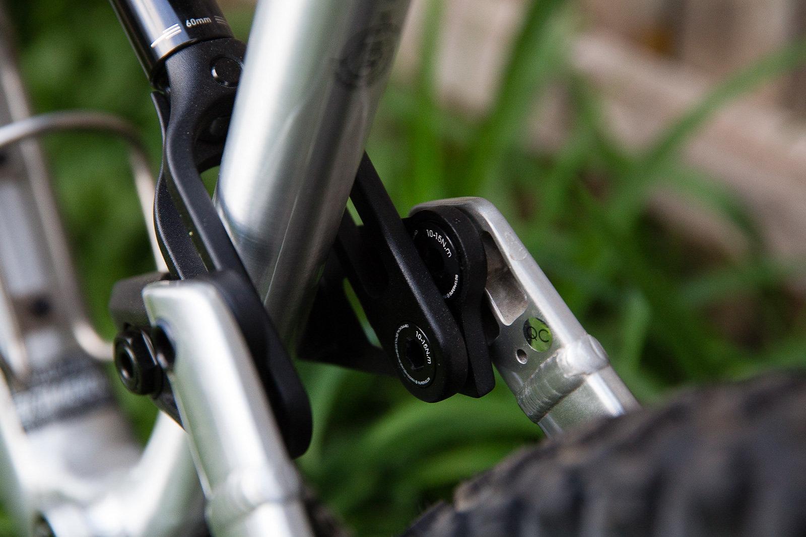 Commencal Meta AM V4 2 // Bike Review Freehub Magazine
