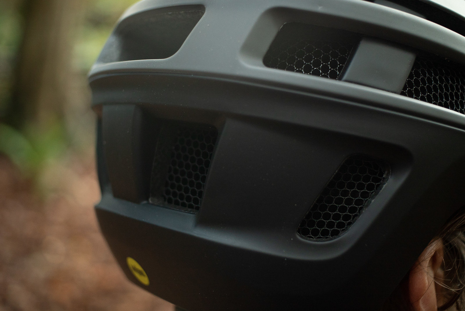 873a54c1afcb3 Koroyd Core Technology makes up the inner shell of the Forefront 2 and has  become a proven technology in the helmet world thanks to Smith.