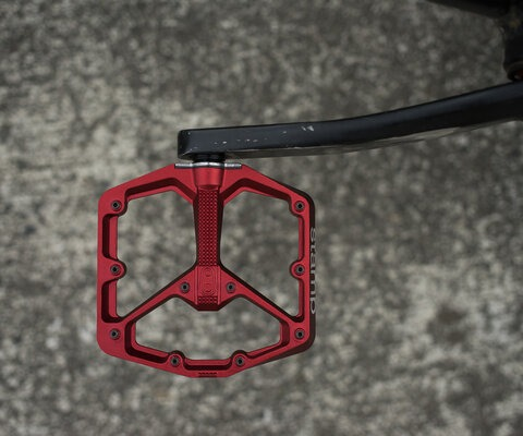 Crankbrother's Stamp pedals have a solid build, lightweight design and come in two different sizezs.