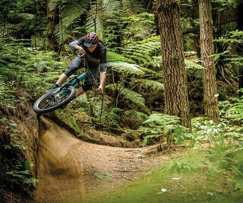 With hero dirt and corners like this, it's almost impossible to make Rotorua's trails look bad. Ross Measures takes the highline with an extra dose of style. Photo: Sven Martin