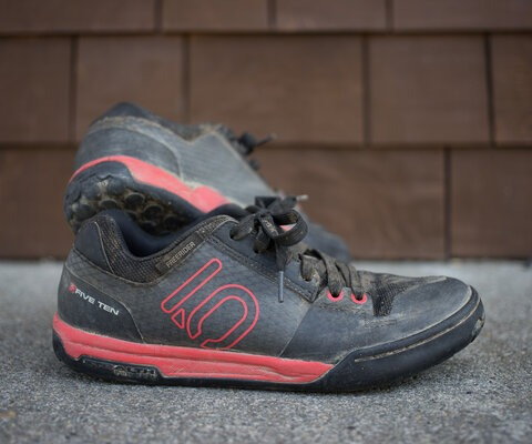 The Freerider Contact shoes are a mix of rugged and simple and have the grip to hold their own in any situation.