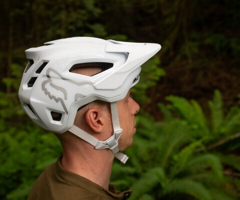 The Speedframe Pro Helmet has earned Virginia Tech's best rating (5 STARS) in its Bicycle Helmet Ratings program.