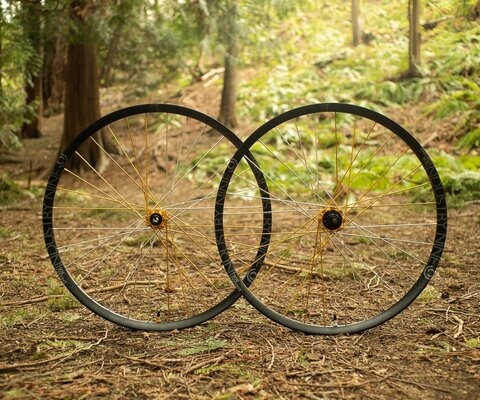 The Enduro 305s are I9's proven all-mountain wheel and are a great complement to the Hydra hub.
