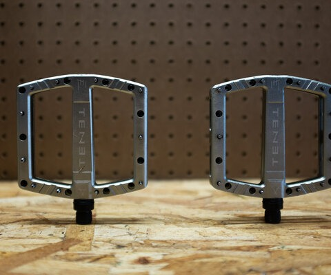 The Occult pedals are custom extruded and post CNC'ed from 6061-T6 aluminium.