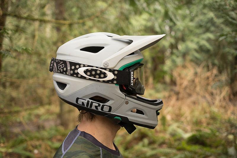 Bell Full Face Helmet >> Giro Switchblade // Helmet Review | Freehub Magazine