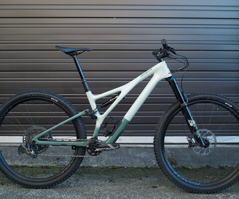 The storied Specialized Stumpjumper—perhaps the most famous mountain bike model in the history of our sport—has undergone major updates for 2021.