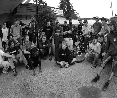 "A crew of the Cove Bike OGs, from left to right: Bill and Renny Husada, Doug ""Ranchdog"" Feniak, Cymbol and Seth Wells, Peter Wilson, Naz Evangilista, Cory Lecleric, BronxyBoy, Johnny ""Smoke"" Mathews, Mike ""The Kite"" Sampson, Gabe ""Chinner"" Fox, Geoff ""Gullyboy"" Gulevich, Brian Kelly, Mark Vanek, Ashley ""Nummers"" Walker, Doug ""Dewey"" Lefavor, Clayton ""Dinkeyes"" Chitty, Dik Cox, Stuart Hilder, Thomas ""The Kid"" Vanderham and Chaz Romalis. Photo: Sterling Lorence."