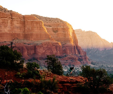 Dawn patrol in the Sedona desert is unparalleled. After soaking in the view, Katie Holden finds her own line in the early morning light.