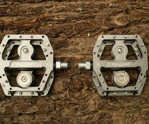 Magped's Enduro pedals have a comfortably large platform combined with strong magnets (one on each side) to make for a unique riding experience.