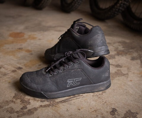 Ride Concepts' Hellion shoes are are minimal yet thorough when it comes to their design.